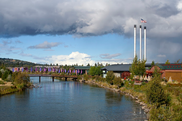 What I Love About Living in Bend, Oregon | The Pros and Cons